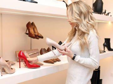 Ir de compras por zapatos siempre será un placer | Crédito Pexels