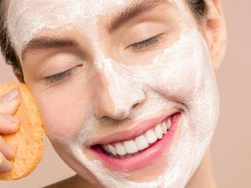 Encuentra tu cepillo ideal para cuidar de tu cara de modo correcto durante la exfoliación   Crédito Pexels