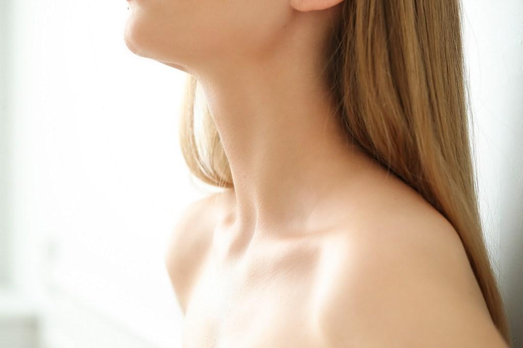 como cuidar piel del cuello
