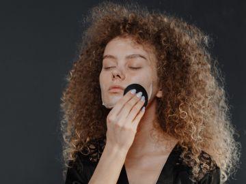 Remedios caseros para remover manchas de la piel | Crédito Pexels