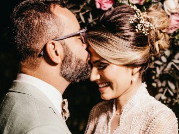 Dale vuelta a la tradición con un traje sastre de novia el día de tu boda | Crédito Pexels
