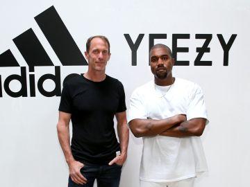 Adidas CMO Eric Liedtke Y Kanye West en el Milk Studios. Crédito Jonathan Leibson   Getty Images