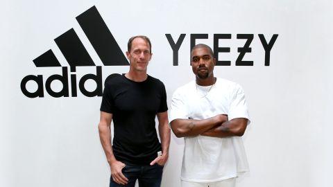 Adidas CMO Eric Liedtke Y Kanye West en el Milk Studios. Crédito Jonathan Leibson | Getty Images
