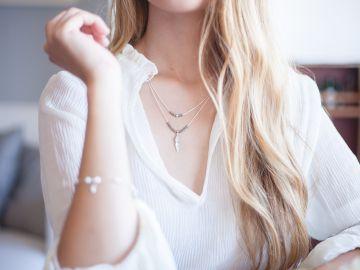 accesorios minimalistas de joyería que te harán ver elegante con cualquier outfit