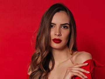 cómo maquillarte inspirada en el estilo de Selena Quintanilla