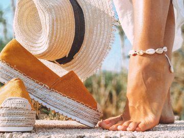 Usar el zapato adecuado para cada temporada del año es crucial para tener buena salud   Crédito Pexels