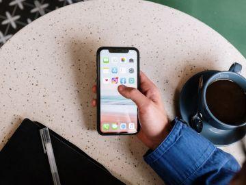 Apple lanza iPhone morado