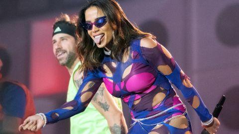 peinados súper glam inspirados en Anitta, la popular cantante brasileña