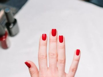 Cómo arreglarte las manos y pies tú misma y que te queden como si hubieras ido al salón de uñas