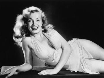Marilyn Monroe es un icono de la moda. | Crédito de L. J. Willinger/Keystone Features/Hulton Archive/Getty Images)