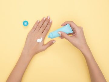 protector solar o crema hidratante