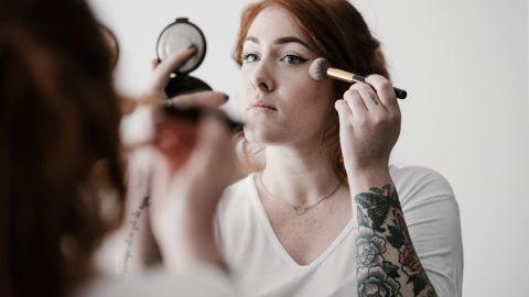 como aplicar bronzer blush e iluminador