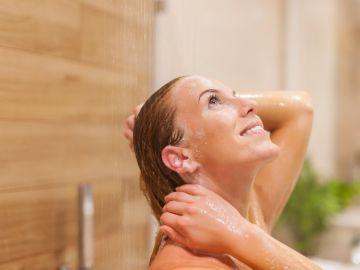 como lavar el cabello sin shampoo