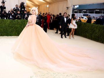 mejores vestidos met gala 2021